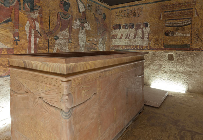 The Factum Arte facsimile of the KV62 burial chamber